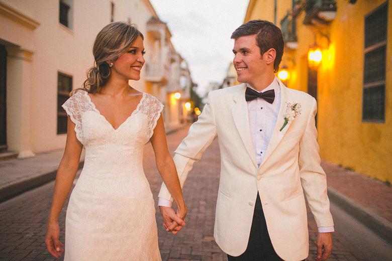Matrimonio Simbolico En Cartagena : Boda de destino maria clara y carlos en el club